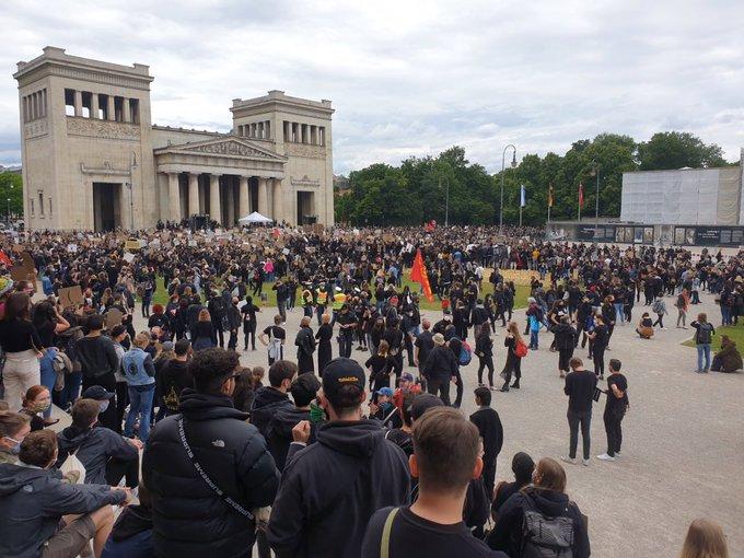 25000 bis 30000 in #Muenchen auf der Straße gegen #Rassismus und #Polizeigewalt!